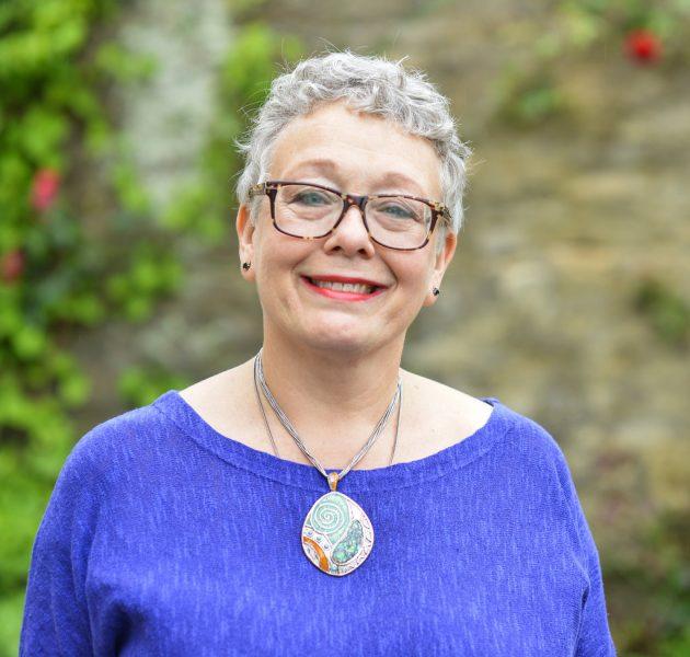 Dr Jane Lewis